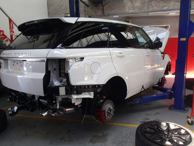 BodyLine Motor Body Repairers & Refinishers  Photos