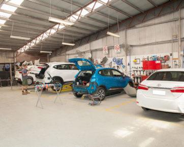 Advanced Auto Accident Repair Centre Photos