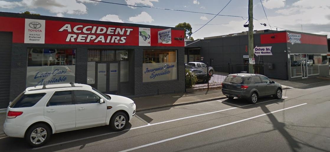 Gordon Ave Accident Repair Centre Photos