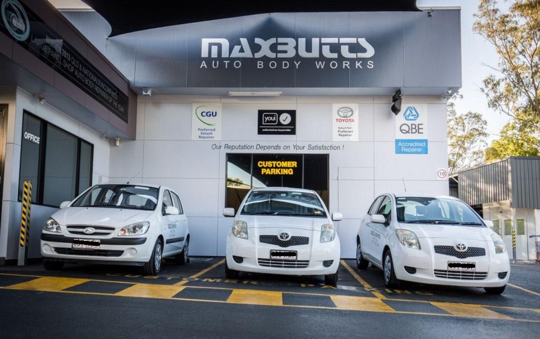 Maxbutts Auto Body Works Photos