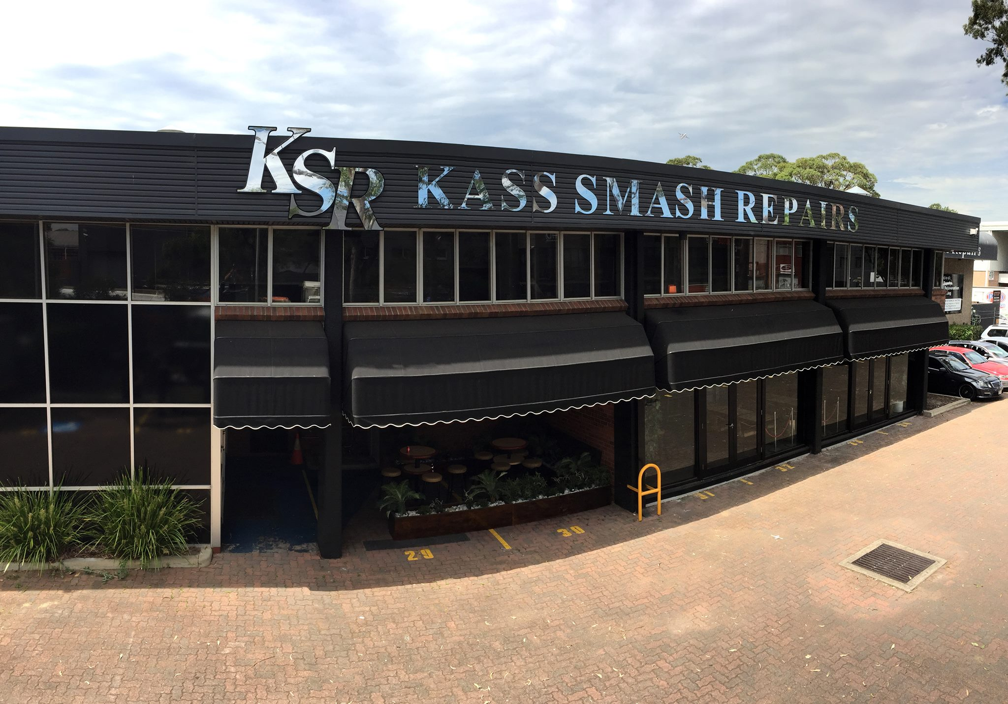 Kass Smash Repairs Photos